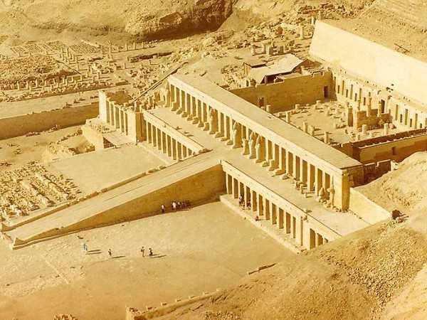 руины храма Хатшепсут