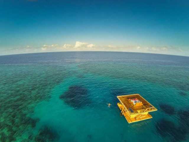 The Manta Resort — отель под водой