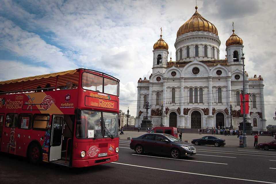Интересные автобусные экскурсии по Москве