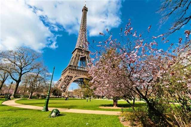 франция весной