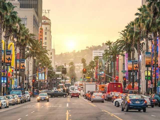 В Лос-Анджелес на 2 недели от 45600!