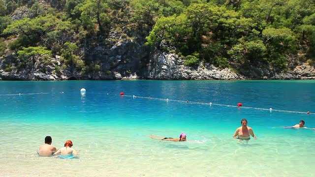 пляж голубая лагуна олюдениз