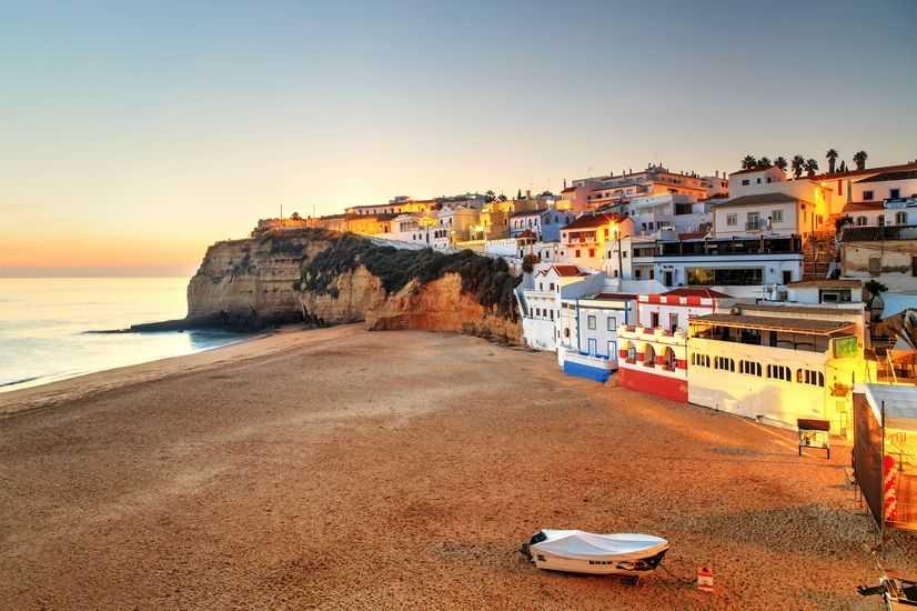 Албуфейра в августе - Курорты Португалии