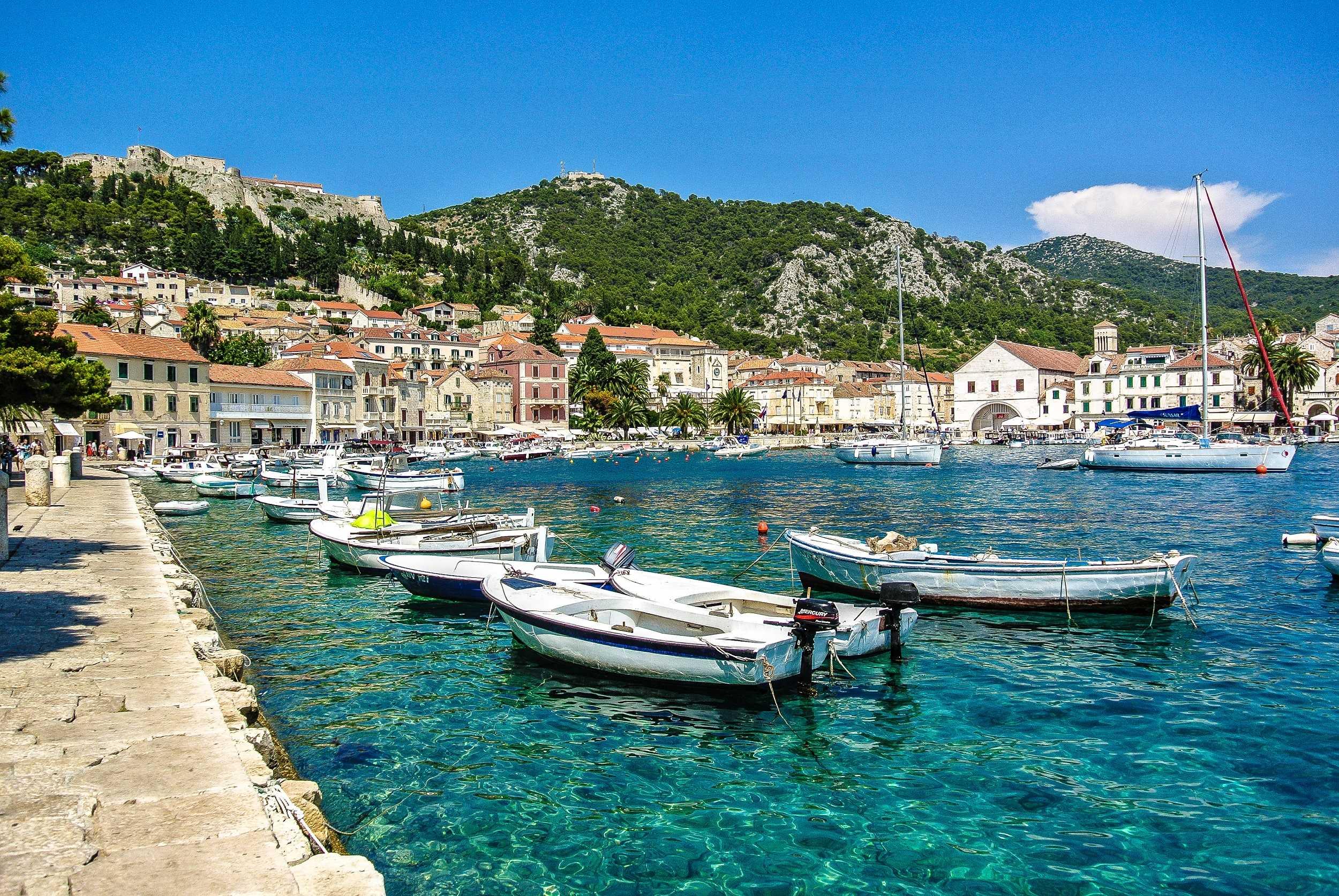 отпуск в августе на Острове Хвар - Хорватия