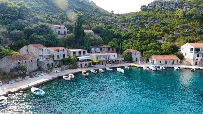 поехать в отпуск в августе на Остров Млет - Хорватия