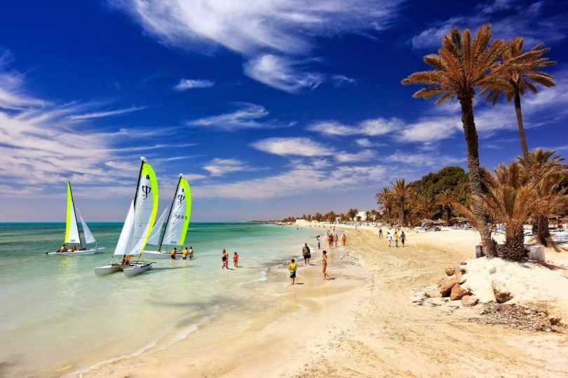 февральский сезон в Тунисе
